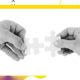 Zwei Hände, die jeweils ein Puzzleteil in der Hand halten, welche zusammen passen