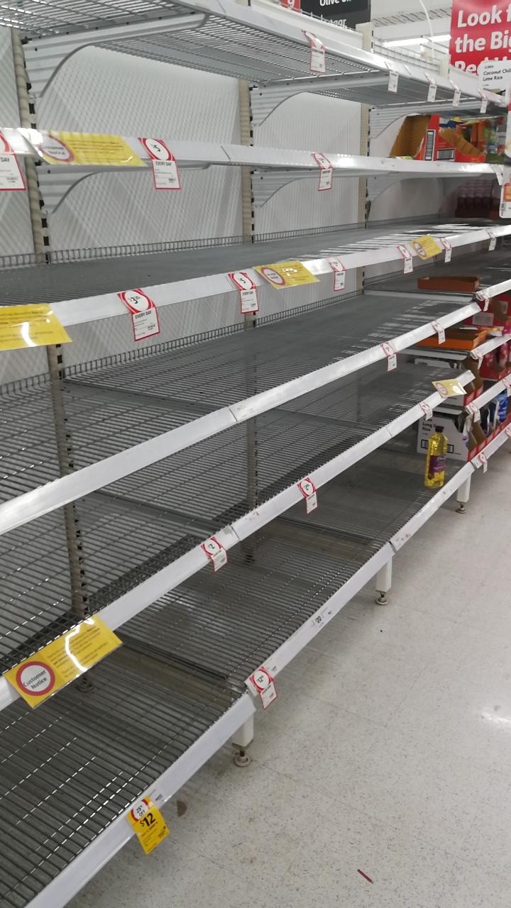 Leeres Regal im australischen Supermarkt