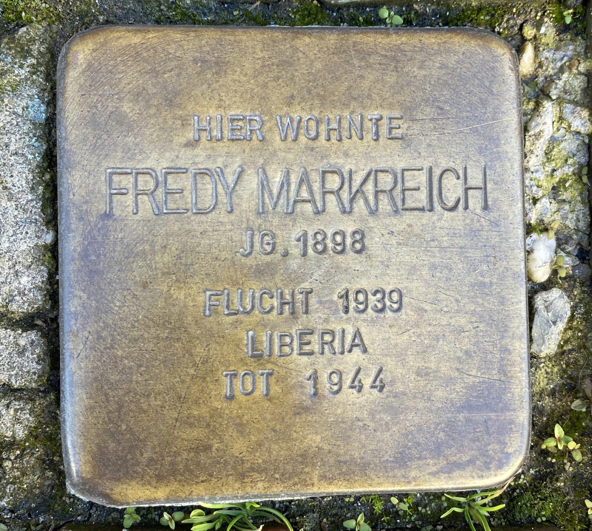Markreichs Stolperstein mit seinem Geburtsjahr, seiner Flucht und seinem Todesjahr
