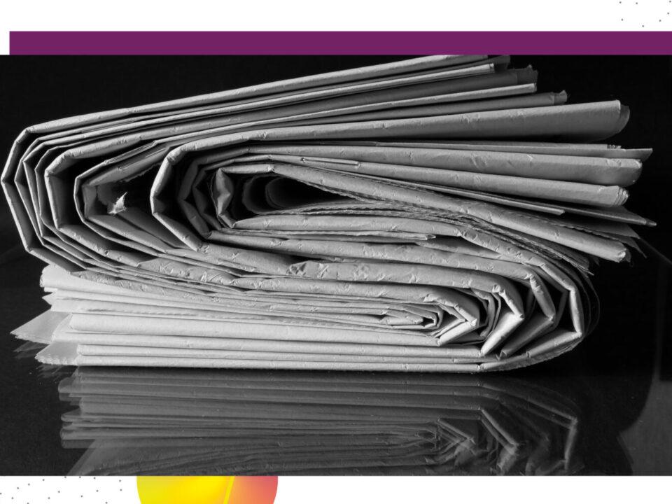 Stapel Papierzeitungen